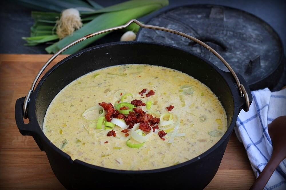 Käsesuppe mit Hackfleisch und Lauch käsesuppe-Kaesesuppe Hackfleisch Lauch 03-Käsesuppe mit Hackfleisch und Lauch