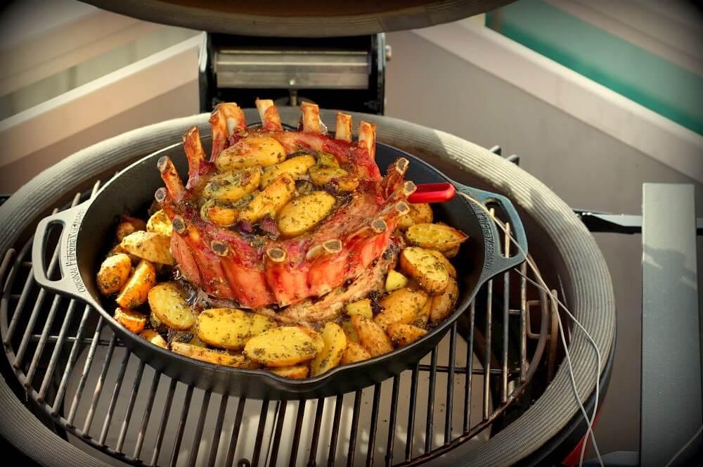 Saftiger Kronenbraten mit Kartoffeln kronenbraten-Kronenbraten Iberico Schweine Karree 05-Kronenbraten – Crown Roast vom Iberico-Schweinekarree
