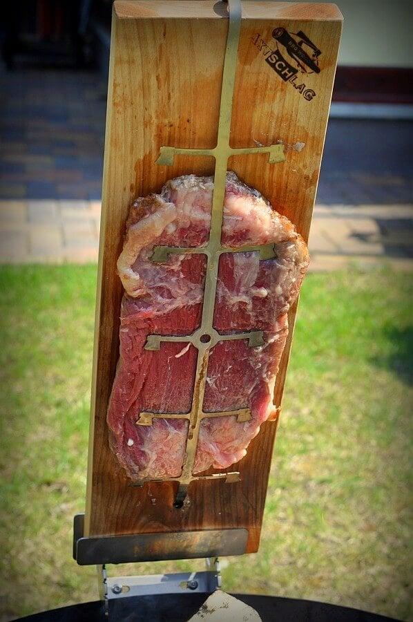 Flamm-Flank-Steak flamm-flank-steak-Flamm Flank Steak Flammlachsbrett 02-Flamm-Flank-Steak mit Birnen-Salsa