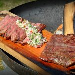 flamm-flank-steak-Flamm Flank Steak Flammlachsbrett 04 150x150-Flamm-Flank-Steak mit Birnen-Salsa