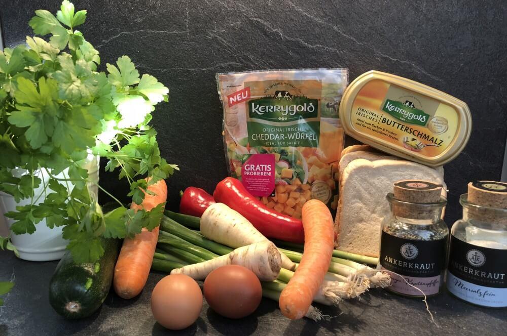 Alle Zutaten für Gemüse-Muffins auf einen Blick gemüse-muffins-Gemuesemuffins Toast Vegetarische Muffins 01-Gemüse-Muffins – Vegetarische Muffins im Toast vom Grill