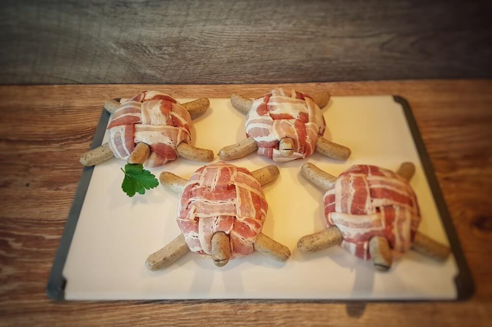 Die Bacon Turtles sind bereit für den Grill bacon turtles-Bacon Turtles Hackfleisch Schildkroeten 03-Bacon Turtles – Hackfleisch-Schildkröten im Speckmantel