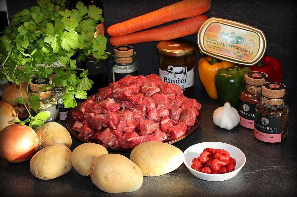 Gulaschsuppe Zutaten gulaschsuppe-Gulaschsuppe Dutch Oven 02-Gulaschsuppe aus dem Dutch Oven