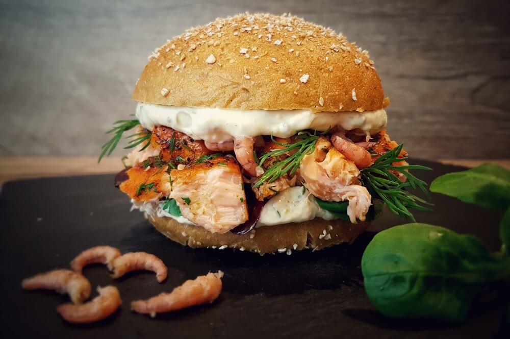 Pulled Lachs Burger mit Krabben pulled lachs burger-Pulled Lachs Burger 05-Pulled Lachs Burger mit Krabben