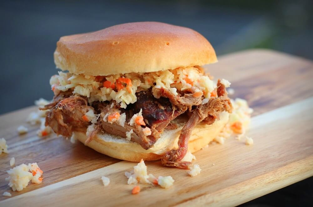 Pulled Pork Burger mit Coleslaw pulled pork aus dem dutch oven-Pulled Pork Dutch Oven 12-Pulled Pork aus dem Dutch Oven