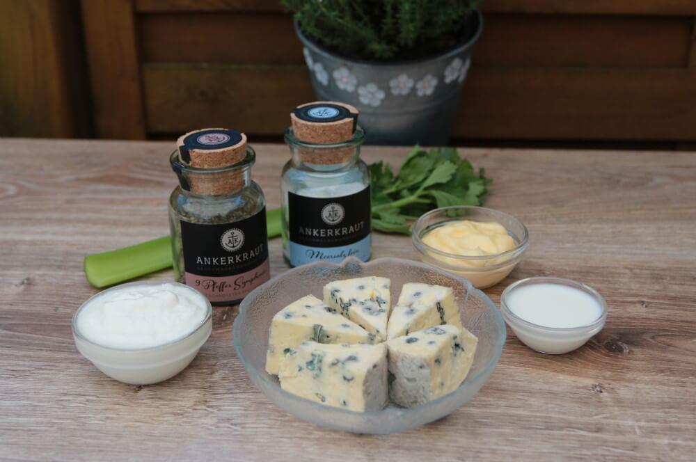 Zutaten Blue Cheese Dip blue cheese dip-Blauschimmelkaese Dip Bluecheese 01-Blue Cheese Dip – Käse Dip mit Blauschimmelkäse