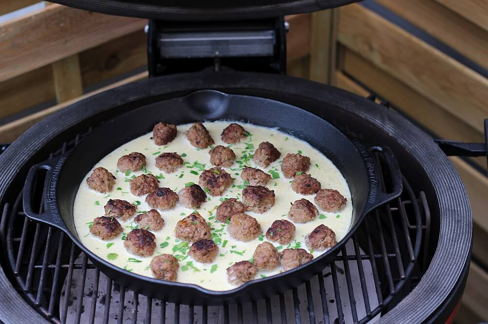 Köttbullar in Sahnesauce köttbullar-Koettbullar Schwedische Hackfleischbaellchen 03-Köttbullar – Rezept für schwedische Hackfleisch-Bällchen