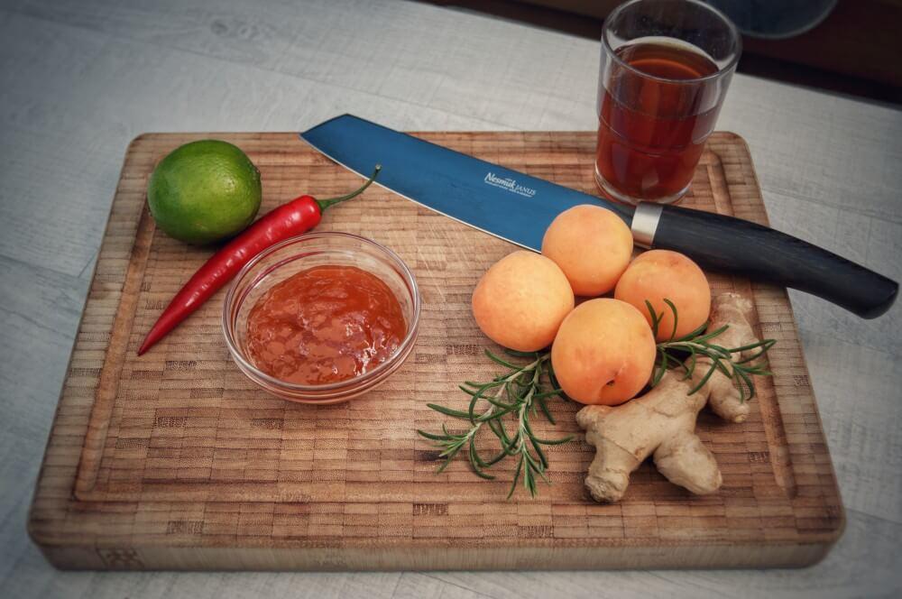 Alle Zutaten für das Aprikosen-Chutney auf einen Blick aprikosen-chutney-Aprikosen Chutney Ingwer 01-Aprikosen-Chutney mit Ingwer