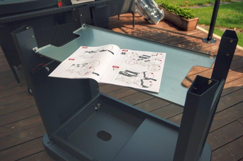 Die Montageanleitung ist sehr anschaulich und detailliert campingaz master 4 series-Campingaz Master 4 Series Classic LXS Gasgrill 02-Campingaz Master 4 Series Classic LXS Gasgrill im BBQPit-Test