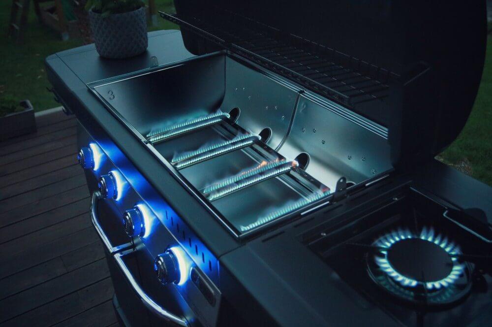 Der Campingaz Grill hat ein sauberes Flammenbild campingaz master 4 series-Campingaz Master 4 Series Classic LXS Gasgrill 10-Campingaz Master 4 Series Classic LXS Gasgrill im BBQPit-Test
