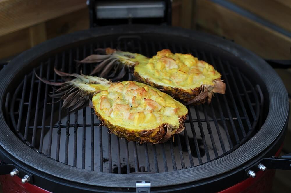 Gefüllte Ananas mit Hähnchen Curry auf dem Kamado Joe Keramikgrill gefüllte ananas-Gefuellte Ananas Haehnchen Curry 03-Gefüllte Ananas mit Hähnchen Curry