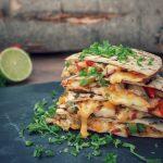 Hähnchen Quesadillas chicken-quesadillas-Chicken Quesadillas 150x150-Chicken-Quesadillas mit Paprika, Käse und Zwiebeln