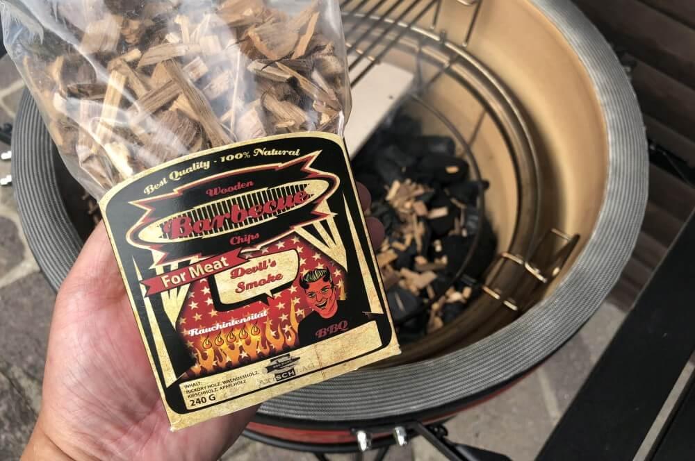 Devil's Smoke Räucherchips von Axtschlag sorgen für den Rauchgeschmack pastrami short ribs-Pastrami Short Ribs 07-Pastrami Short Ribs – Beef Ribs mit Pit Powder Pastrami