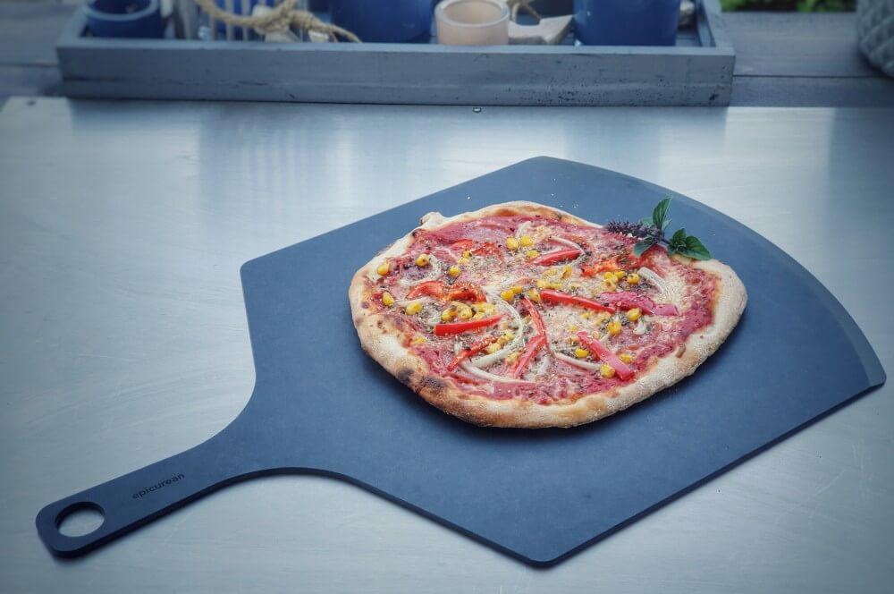 Die Epicurean Pizza Peel mit abgeschrägter Kante epicurean schneidebretter-Epicurean Schneidbretter Holzfaser 06-Epicurean Schneidebretter aus Holzfaser im BBQPit-Test & Gewinnspiel