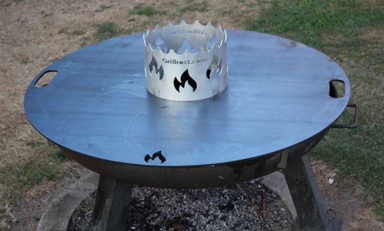 Feuerplatte von Grillrost.com im BBQPit-Test
