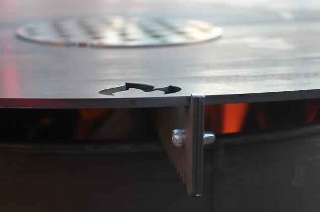 feuerplatte-Feuerplatte Grillrostcom 03 633x420-Feuerplatte von Grillrost.com im BBQPit-Test