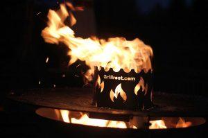 feuerplatte-Feuerplatte Grillrostcom 12 300x199-Feuerplatte von Grillrost.com im BBQPit-Test