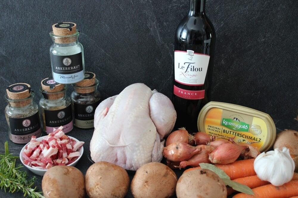 Alle Zutaten für Coq au Vin auf einen Blick coq au vin-Coq au vin Dutch Oven Haehnchen Rotwein 02-Coq au Vin aus dem Dutch Oven – Hähnchen in Rotwein
