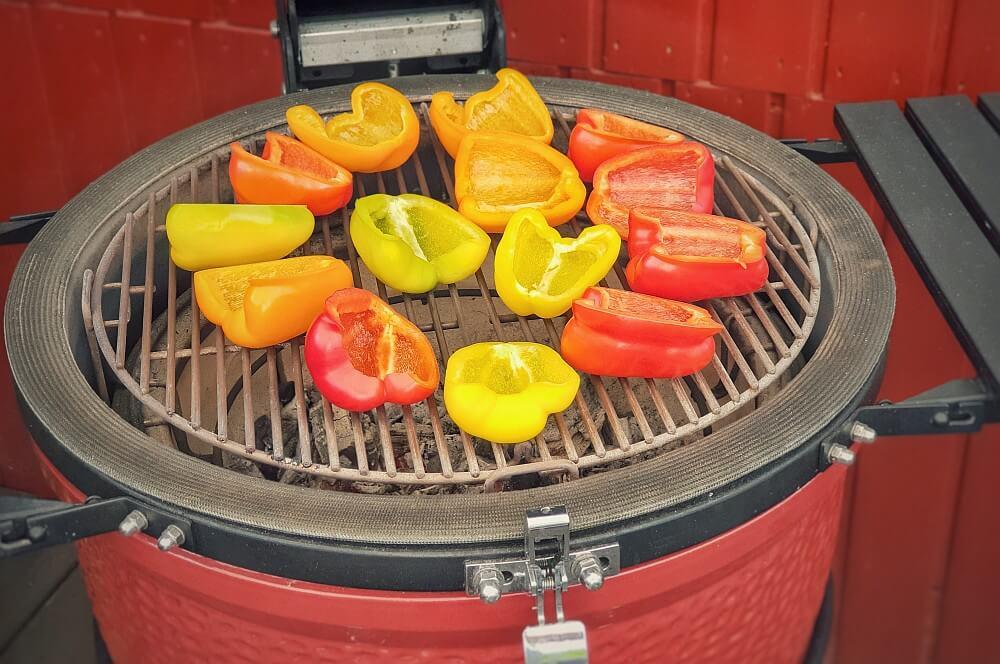 Paprika auf dem Kamado Joe  eingelegte paprika-Eingelegte Paprika Grillpaprika 02-Eingelegte Paprika – Grillpaprika in Kräuteröl
