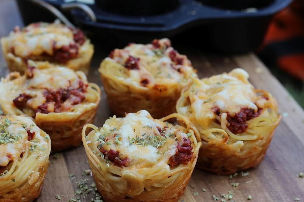 Spaghetti-Bolognese-Muffins sind ein genialer Party-Snack spaghetti-bolognese-muffins-Spaghetti Bolognese Muffins 05-Spaghetti-Bolognese-Muffins