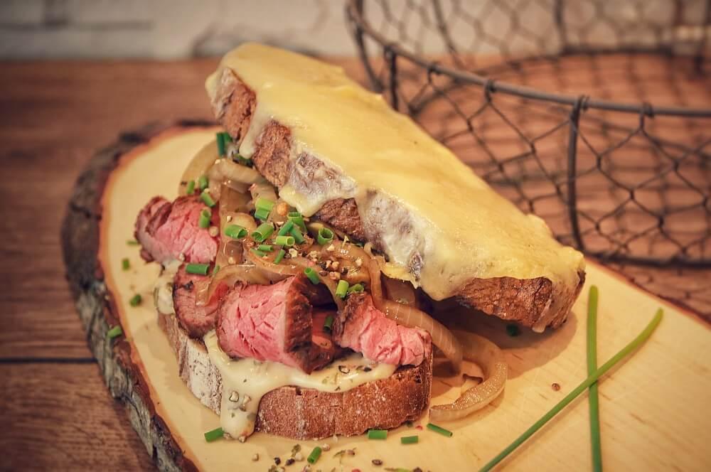 Abendbrot mal anders - die Steakstulle Deluxe abendbrot-Abendbrot Stulle Steakstulle Steak Sandwich 04-Abendbrot – Steakstulle Deluxe