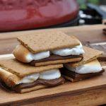 s'mores-Smores Schokolade Marshmallows Keks 04 150x150-S'Mores – Süßes Sandwich mit Keksen, Marshmallows und Schokolade