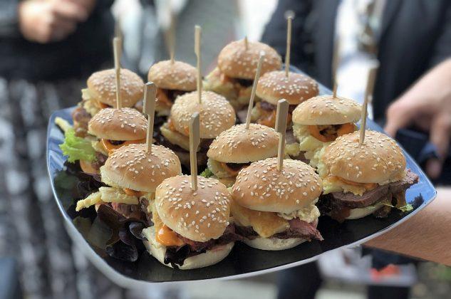 beef im pott-Beef im Pott Th Koenig Burger Battle 23 Finalevent Acht34 633x420-Beef im Pott – Das Th. König Burger Battle