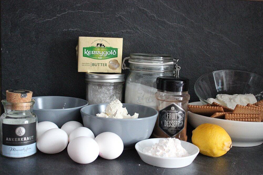 Alle Zutaten für Käsekuchen aus dem Dutch Oven auf einen Blick käsekuchen-Kaesekuchen Dutch Oven 01-Käsekuchen aus dem Dutch Oven – Cheesecake selber machen