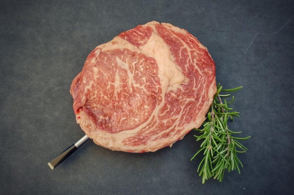 Steak mit dem MEATER Plus meater plus-MEATER Plus Test 02-MEATER Plus – das kabellose Grillthermometer mit erhöhter Reichweite