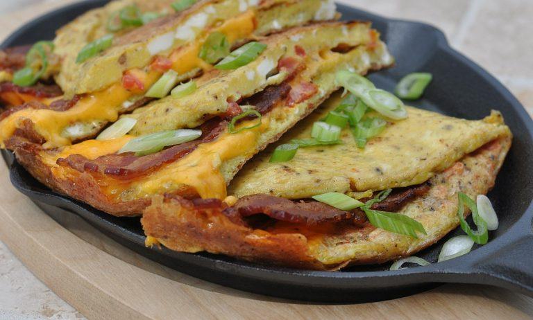 Omelett mit Bacon & Cheddar