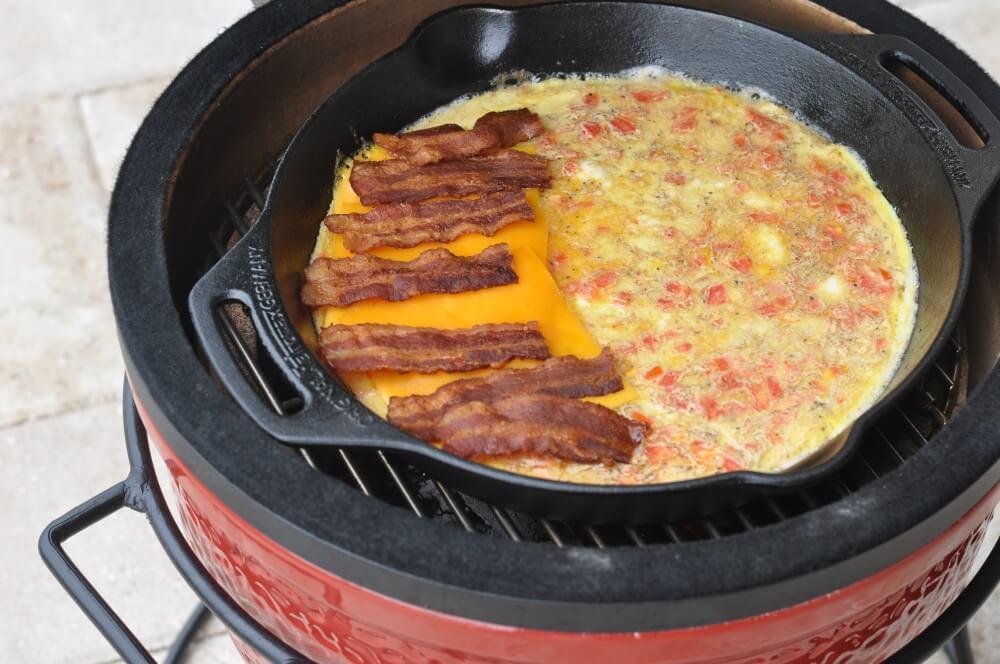 Bacon Cheddar Omelett  omelett-Omelett Cheddar Bacon 04-Omelett mit Bacon & Cheddar