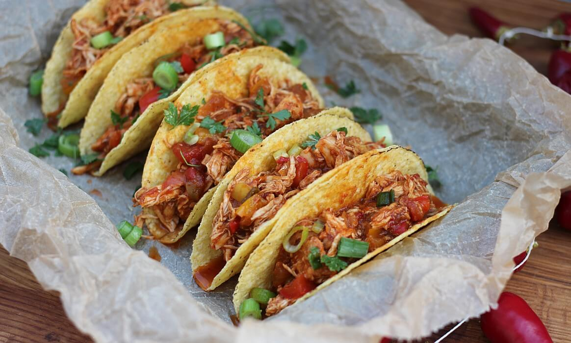 Pulled Chicken Tacos pulled chicken aus dem dutch oven-Pulled Chicken Dutch Oven-Pulled Chicken aus dem Dutch Oven / Pulled Chicken Tacos