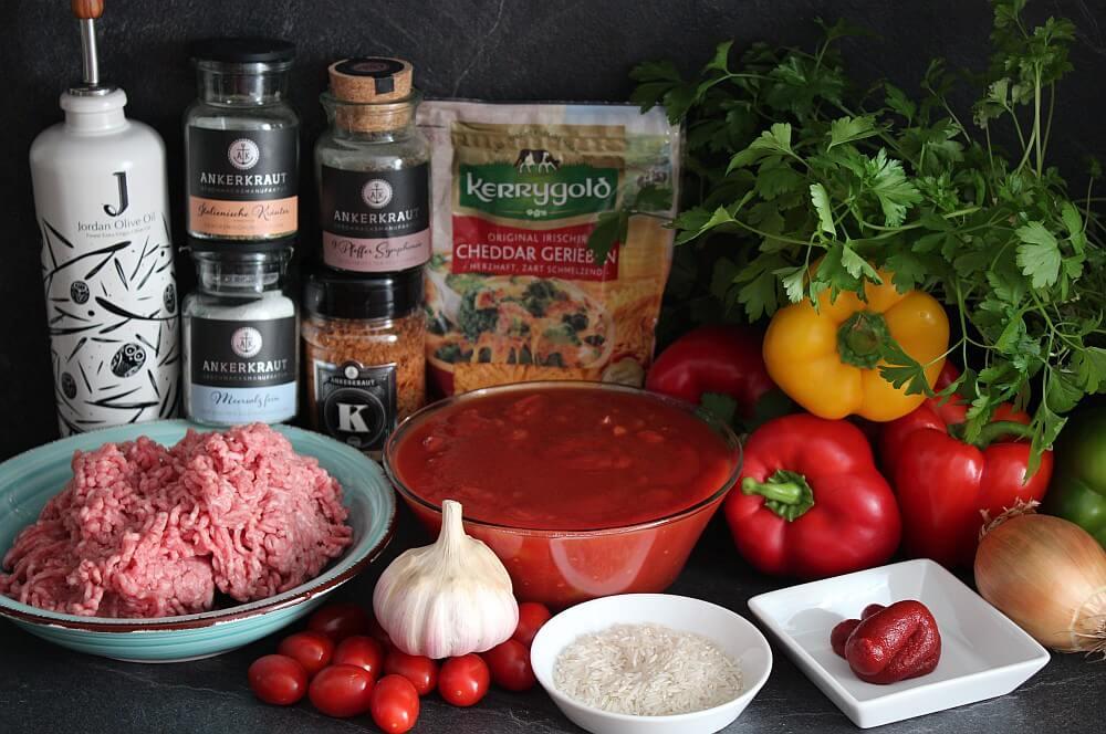 Alle Zutaten für gefüllte Paprika aus dem Dutch Oven auf einen Blick gefüllte paprika-Gefuellte Paprika Dutch Oven 01-Gefüllte Paprika aus dem Dutch Oven