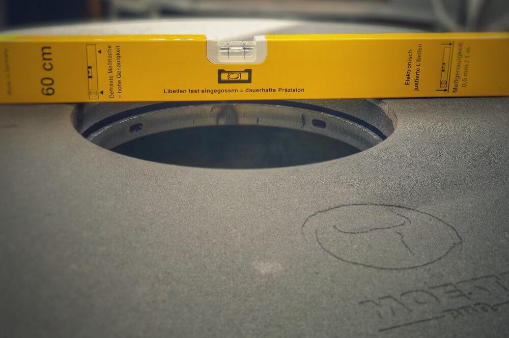 Moesta-BBQ Höhenversteller  moesta bbq-disk-Moesta BBQ Disk gusseiserne Feuerplatte Kugelgrill 03-Moesta BBQ-Disk – Gusseiserne Feuerplatte für den Kugelgrill