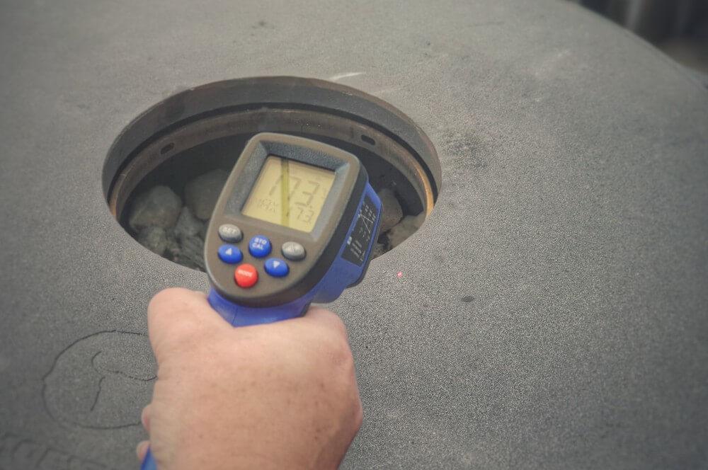 Unterschiedliche Temperaturzonen an der Feuerplatte moesta bbq-disk-Moesta BBQ Disk gusseiserne Feuerplatte Kugelgrill 07-Moesta BBQ-Disk – Gusseiserne Feuerplatte für den Kugelgrill