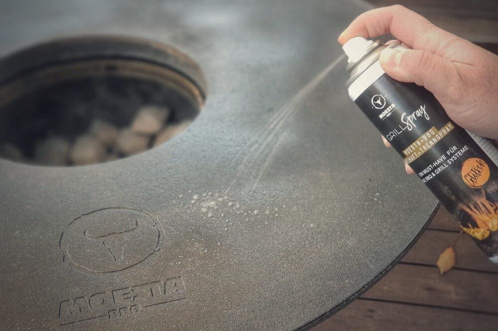 Moesta-BBQ Grill-Spray moesta bbq-disk-Moesta BBQ Disk gusseiserne Feuerplatte Kugelgrill 08-Moesta BBQ-Disk – Gusseiserne Feuerplatte für den Kugelgrill