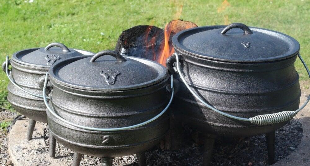 Potjies auf offenem Feuer potjie-Potjie Topf Gusstopf Potjiekos 01-Potjie – Alles über den südafrikanischen Topf aus Gusseisen