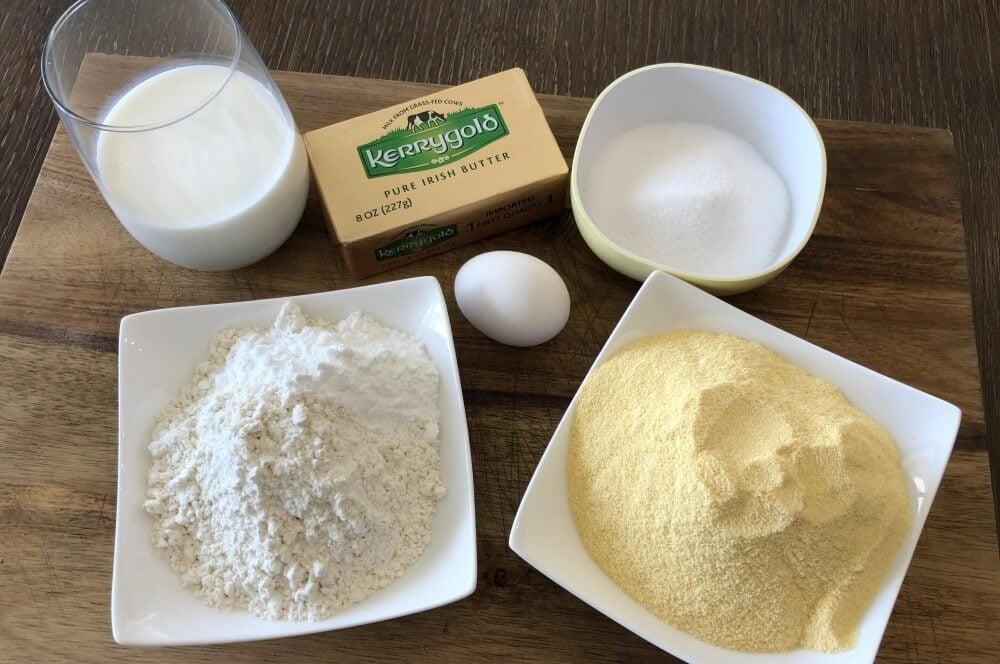 Alle Zutaten für Cornbread auf einen Blick cornbread-Cornbread amerikanisches Maisbrot 01-Cornbread – Rezept für amerikanisches Maisbrot