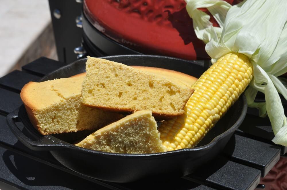 Cornbread aus der Gusspfanne cornbread-Cornbread amerikanisches Maisbrot 04-Cornbread – Rezept für amerikanisches Maisbrot