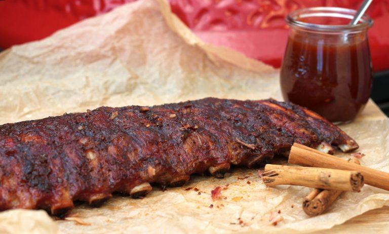 Winterliche Ibérico Rippchen mit Zimt-Barbecue-Sauce