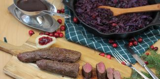 Rehrücken mit Cranberry-Rotkohl