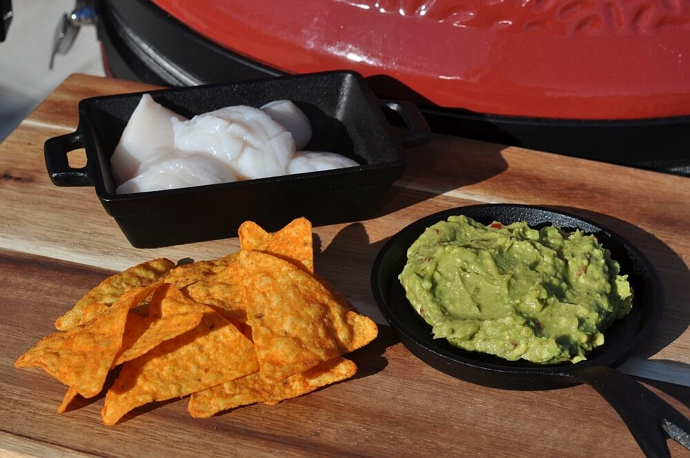 Alle Zutaten für den Jakobsmuschel-Guacamole Fingerfood-Snack jakobsmuschel-guacamole fingerfood-snack-Jakobsmuschel Guacamole Tortilla Chip Fingerfood 01-Jakobsmuschel-Guacamole Fingerfood-Snack auf Tortilla-Chip