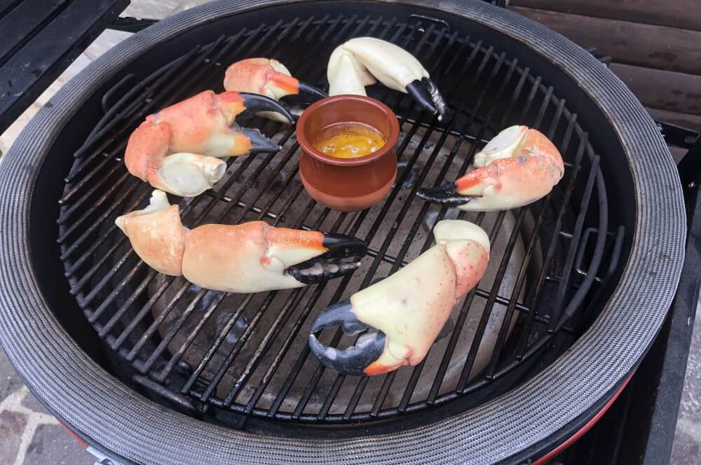 Stone Crab Claws auf dem Kamado Joe stone crab claws-Stone Crab Claws Limettenbutter 03-Stone Crab Claws mit Limettenbutter