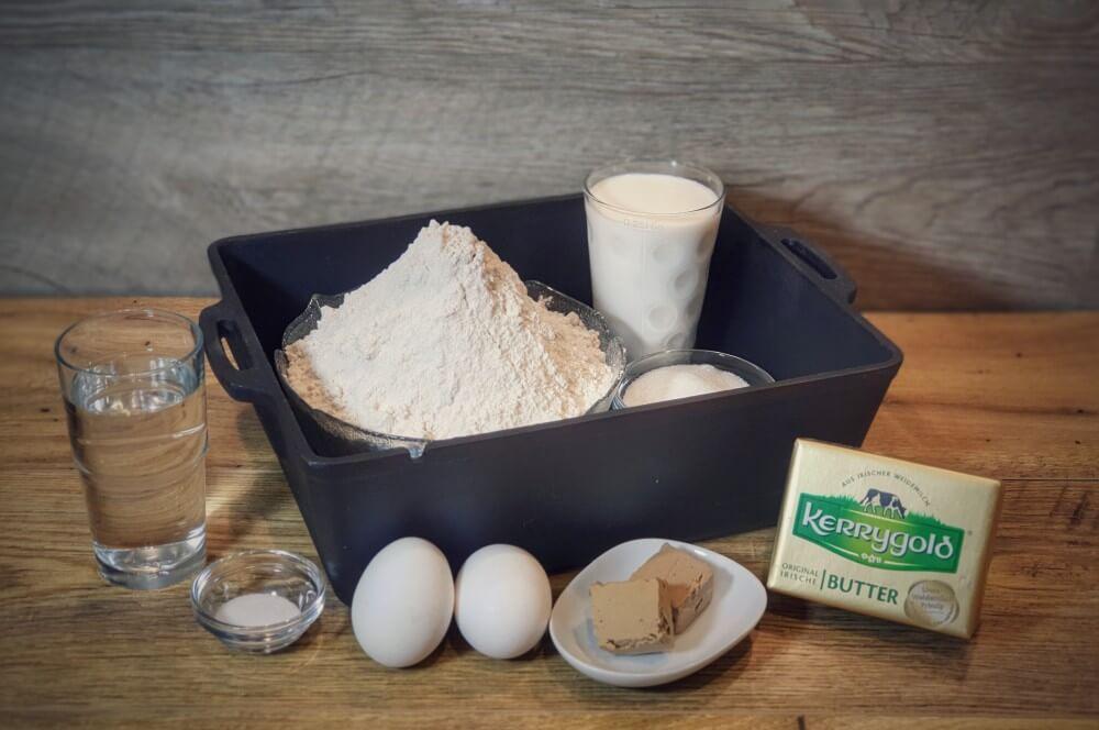 Alle Zutaten für Brioche auf einen Blick brioche-Brioche Brot Milchbrot 01-Brioche – Rezept für Milchbrot / süßes französisches Weißbrot