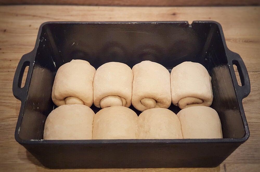 Die Teiglinge ruhen eine Stunde in der Kastenform brioche-Brioche Brot Milchbrot 04-Brioche – Rezept für Milchbrot / süßes französisches Weißbrot