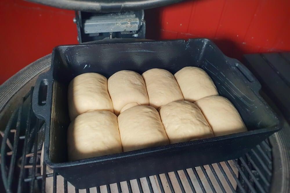 Das Brioche wird in der Kastenform gebacken brioche-Brioche Brot Milchbrot 05-Brioche – Rezept für Milchbrot / süßes französisches Weißbrot