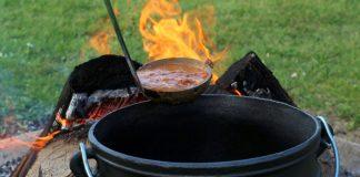 Pizzasuppe aus dem Potjie