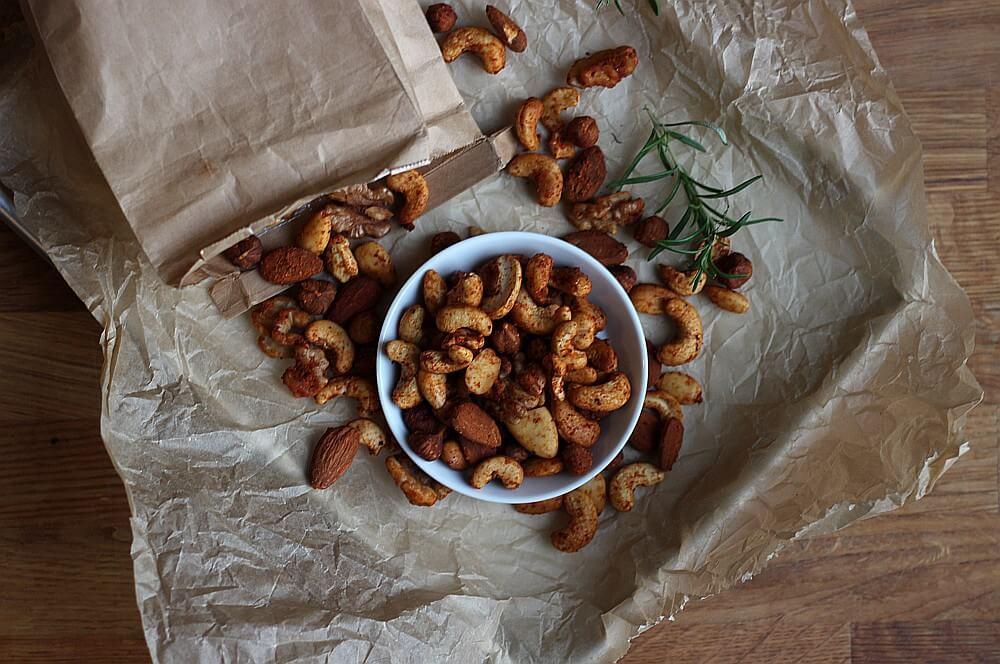 Gesmokte Nüsse geräucherte nüsse-Geraeucherte Nuesse vom Grill 05-Geräucherte Nüsse – gesmokte Nüsse vom Grill