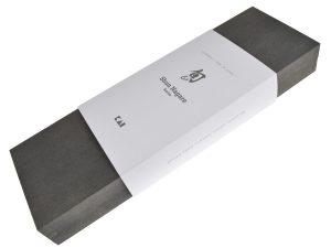 gewinne ein kai shun nagare santoku-Kai Nagare verpackung 300x225-Gewinne ein KAI Shun Nagare Santoku Messer 18 cm im Wert von 349€