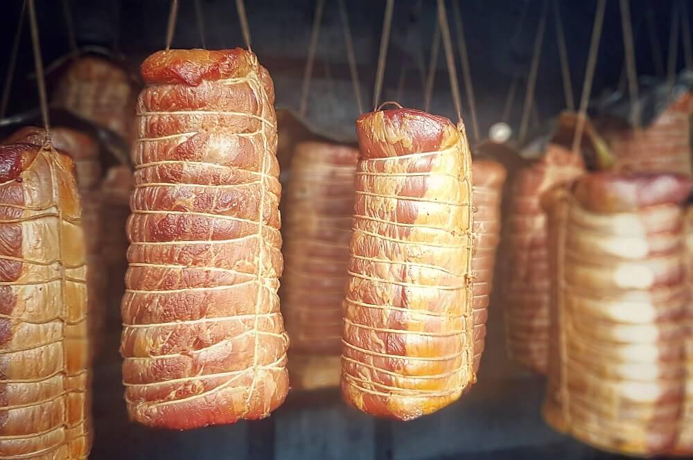 Goldgelb geräucherter Lachsschinken lachsschinken-Lachsschinken geraeucherter Schweinelachs 04-Lachsschinken – Anleitung & Rezept für geräucherten Schweinelachs